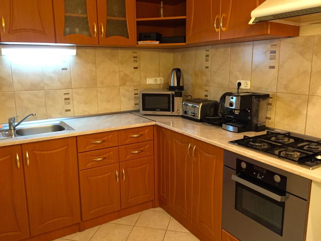 http://budapest-central-apartments.com/wp-content/uploads/2015/03/Budapest-central-king-apartment-I-8-1024x768.jpg