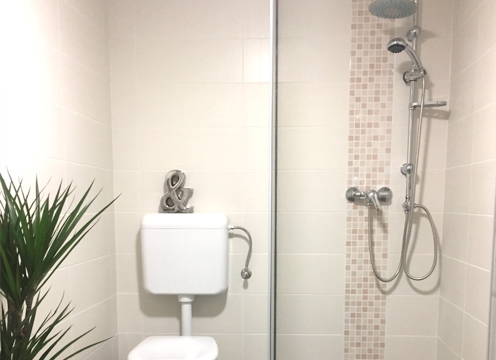 http://budapest-central-apartments.com/wp-content/uploads/2017/01/anker-furdo.jpg